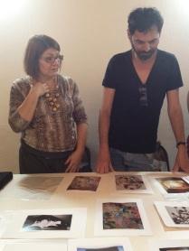 Amaryllis Norcia mostra seu trabalho ao grupo