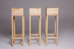 """Cecilia Walton, """"Coleções de nuvens, raios e estrelas"""", 2013 . Mesa e gaveteiros em madeira . tamanhos variados"""
