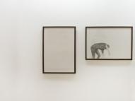 """Thais Ueda. """"Persistências"""", díptico Lápis s/ papel. 83 x 42 cm"""