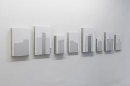 Ivan Padovani - Campo Cego #09, 2015. Fotografia digital, impressão em papel de algodão sobre composto de cimento e celulose, 320 x 58 cm