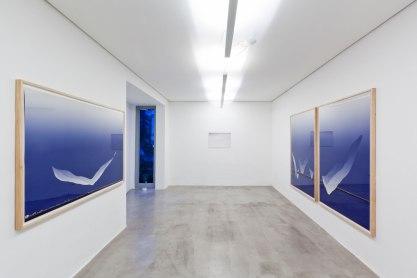 Julia Kater . vista da exposição Lugar do Outro, Galeria Zipper, São Paulo, Brasil . Fotos: Ding Musa