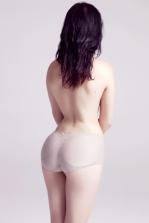 """Fernanda Preto . Sem título, 2013, da série """"Estudos de nu II"""" Fotografia - Impressão jato de tinta sobre papel algodão . 40 X 60 cm"""