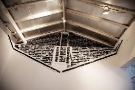 Fábio Leão . Sem Título, 2013. Monotipia sobre papel e tinta sobre parede. Parte da parede foi usada como matriz. Site Specific. Aproximadamente 2,5 x 4 m