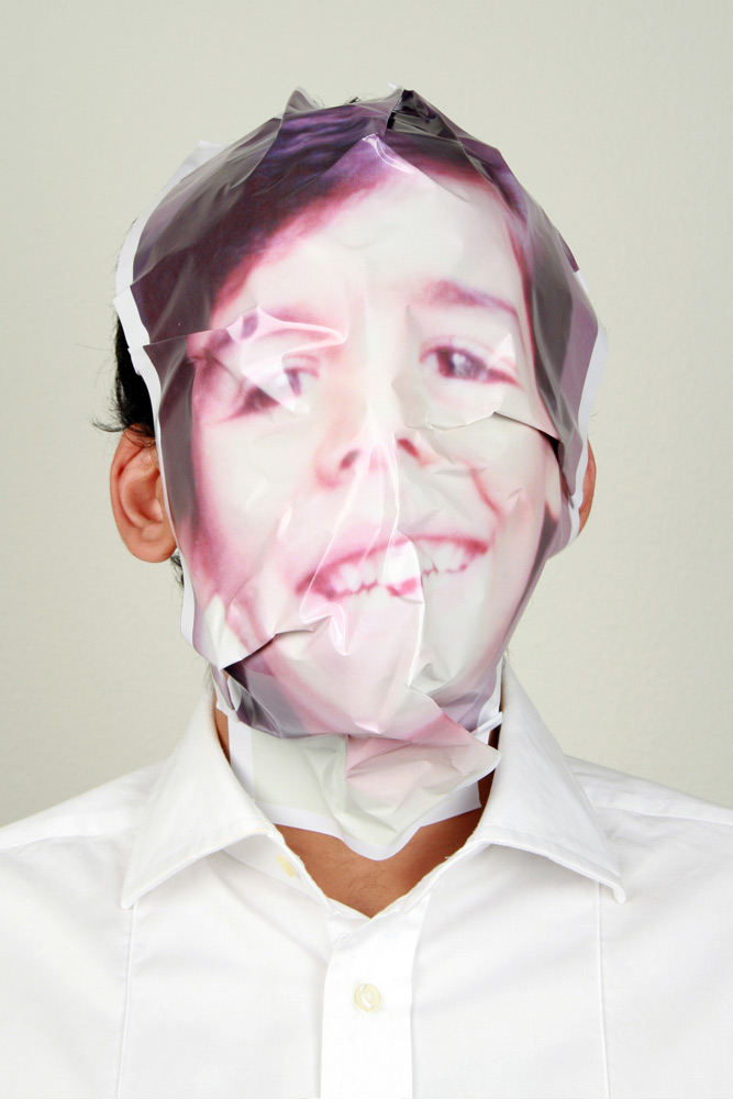 """Marcelo Amorim . """"Missing"""", 2008 . jato de tinta sobre papel de algodão . 100 x 80 cm (ed.05)"""