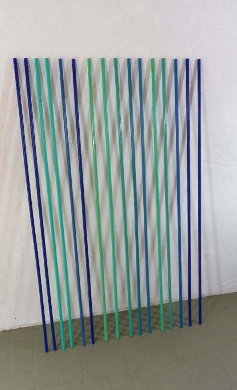 """Livia Paola Gorresio . """"G1"""", 2013 . acrilico sobre madeira . 1,50 x 0,90 x 0,15 m"""
