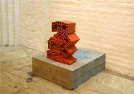 """Andrey Zignatto . """"Empilhamento"""", 2013 . Bloco estrutural de cerâmica amassado . 65 x 40 x 20 cm . Galeria Fernanda Perracini Milani"""