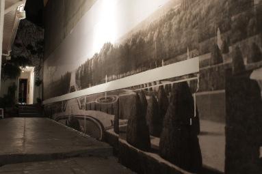 """Sergio Pinzón . """"Projeto de ciclorama"""", 2014 . Projeto de Ciclorama, 2014. Papel impresso sobre parede. 15 x 4 mt"""