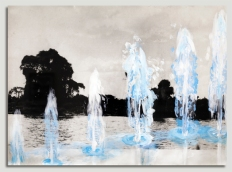 Cida Junqueira, Sem Título, 2015, gesso acrílico sobre papel fotográfico em apropriação de foto, 51 X 65,5 cm