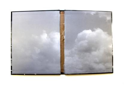 Deolinda Aguiar . Sem título, 2013 . capa de livro . 28 x 50 cm