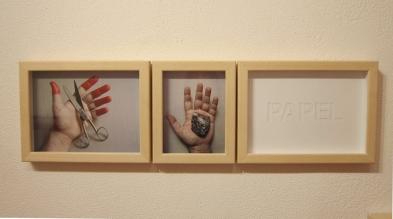 """Jorge Medeiros . """"Tesoura, pedra, papel"""", 2014 . impressão digital e recorte em papel"""