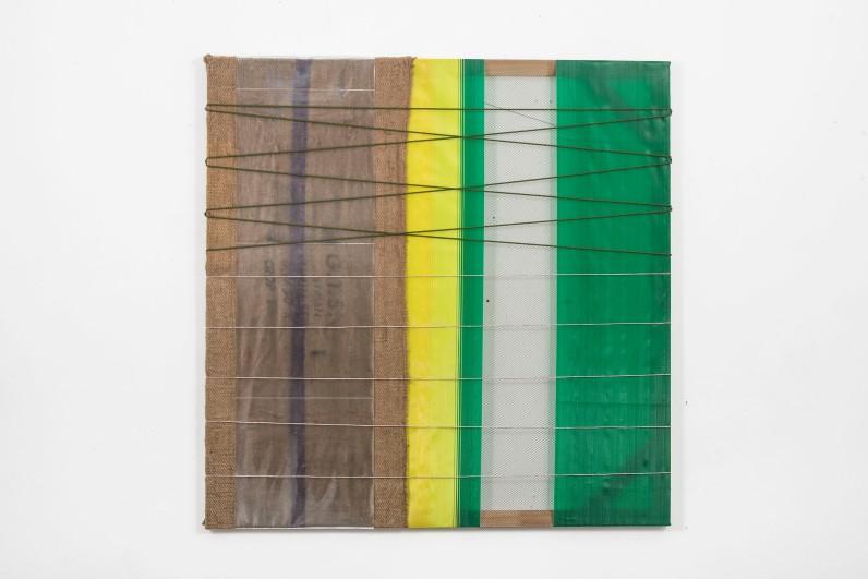 Mano Penalva, Sem título, 2016, Série: Origem, saco de ráfia, plástico, nylon e algodão, 150 x 150 cm