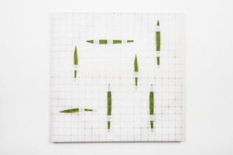 . Mano Penalva, Sem título, 2016, Série: Tramas, Nylon, plástico e metal, 150 x 150 cm