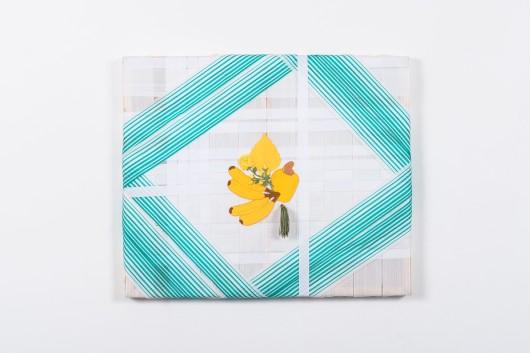 Mano Penalva, sem título, 2016, Série: Tramas, Faixas de Nylon, bordados e pingente, 50 X 60 cm