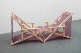 Mano Penalva, sem título, 2016, Série: Tramas, Nylon e madeira, 93 x190 x 69 cm
