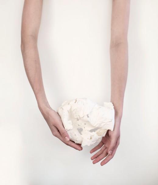 Brisa Noronha, Procedimento estético I, 2016. Impressão digital em papel de algodão. 75 x 60 cm