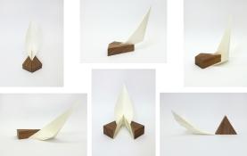 Luciana Kater, Exercícios para construir triângulos, 2016. Papel e madeira, 15 x 15 x 20 cm cada objeto (medidas aproximadas)