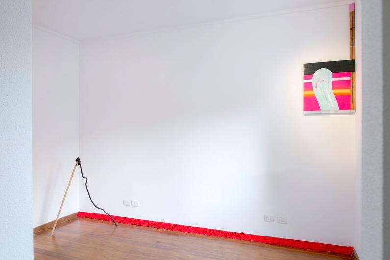 SANTACOSTA . Vista parcial da exposição Over-Witty no espaço Qualcasa, São Paulo, 2016