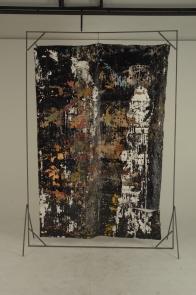 Paulo Lobo, Sexy Beast, 2011, série Piches, óleo e piche sobre lona de algodão montado em estrutura de ferro. 240x190x 30cm
