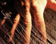Daniel Dayan, Mão , 1992 . Série: Ensaio 9.0 . Fotografia analógica com câmera de grande formato e múltipla exposição. Filme fotográfico escaneado em alta resolução