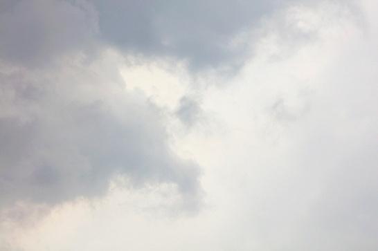 Daniel Dayan, Nuvens, 2017. Série: Impreciso . Fotografia Digital e Pós Produção em Photoshop. Arquivo digital em alta resolução