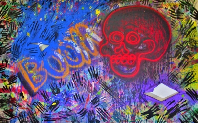Ellion Cardoso, Aleppo, 2016. Acrílica e tinta spray sobre tela e buracos de cartuchos calibre 28, 150 x 240 cm