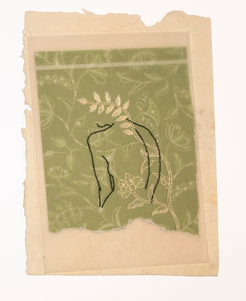 Janaisa Cantele. n.2, 2018. Série a força da delicadeza. Folha de revista, papel vegetal, bordado. 23 x 14,6 cm